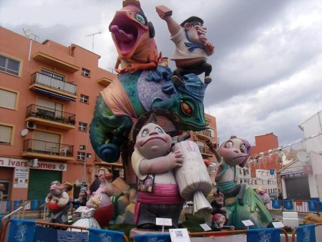 """Any 2013. """"Els fallers som camaleònics"""" Premi 2n S.E."""